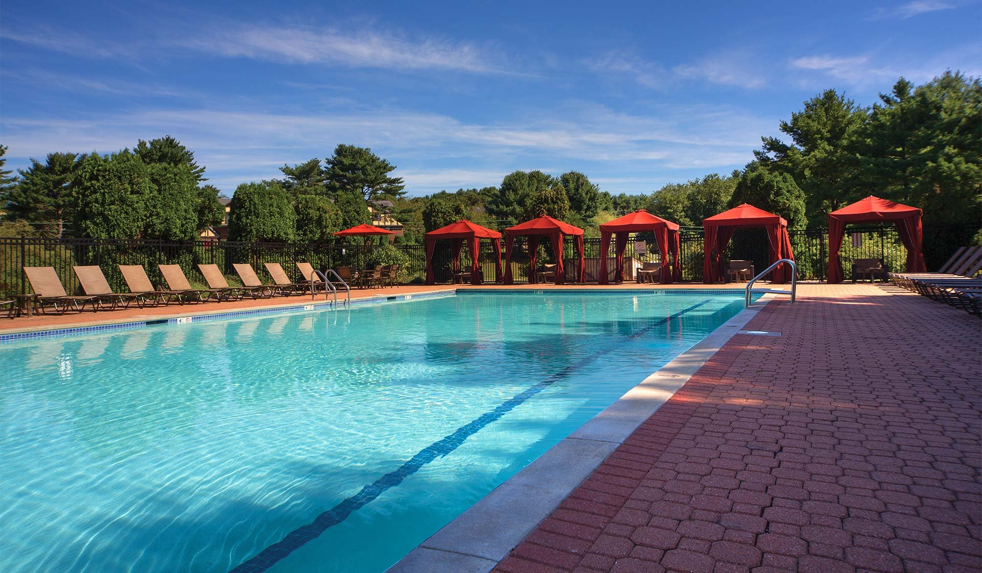 Royal Crest Apartments - Warwick - pool