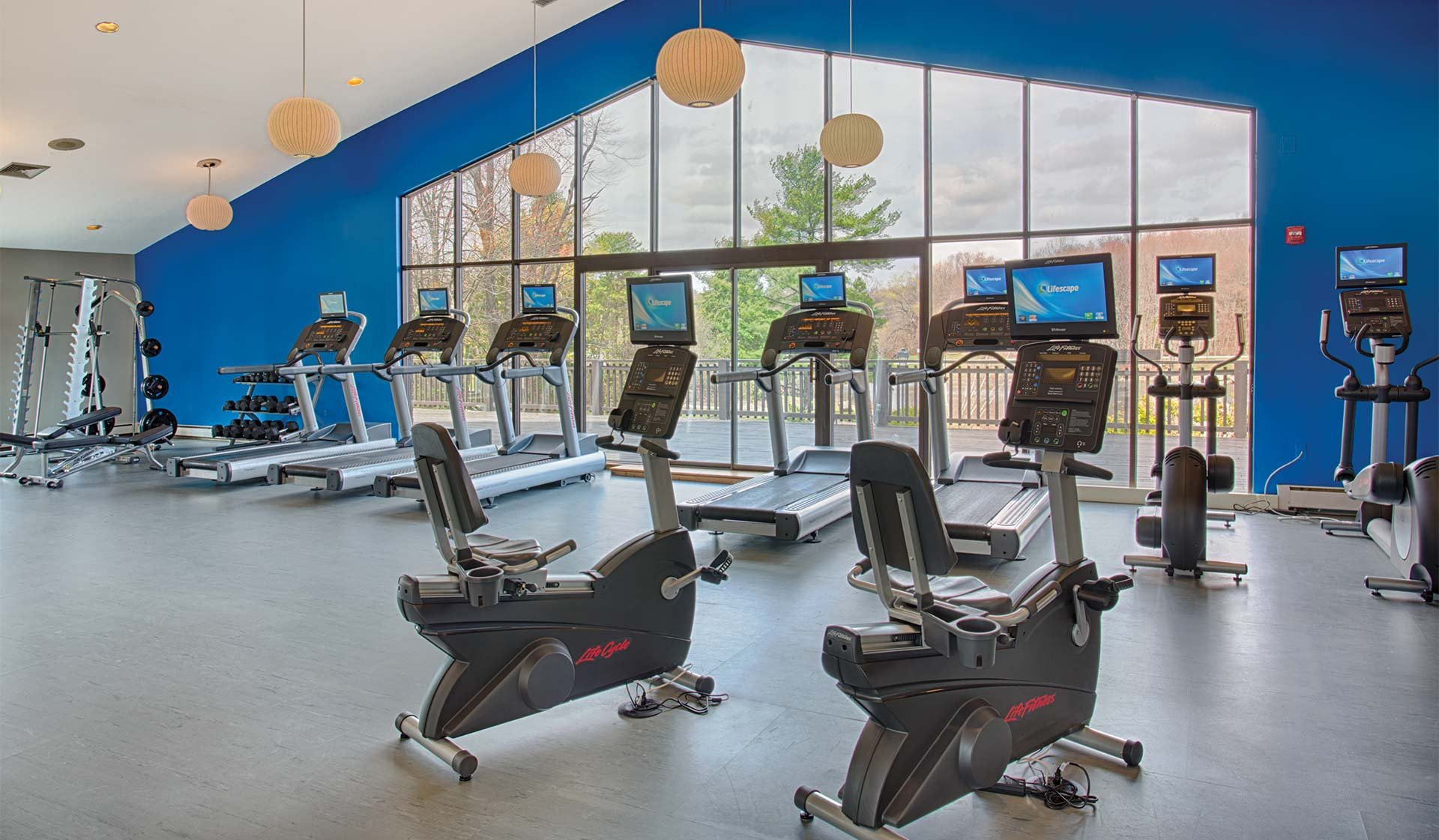 Royal Crest Warwick - fitness center